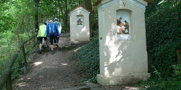 zum Nikolai-Berg in Wartenberg hinauf