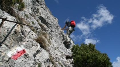 Der Klettersteig bietet im ersten Drittel schöne Anstiege, die auch durchwegs luftig sind.