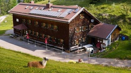 Neue Magdeburger Hütte (1633 m)