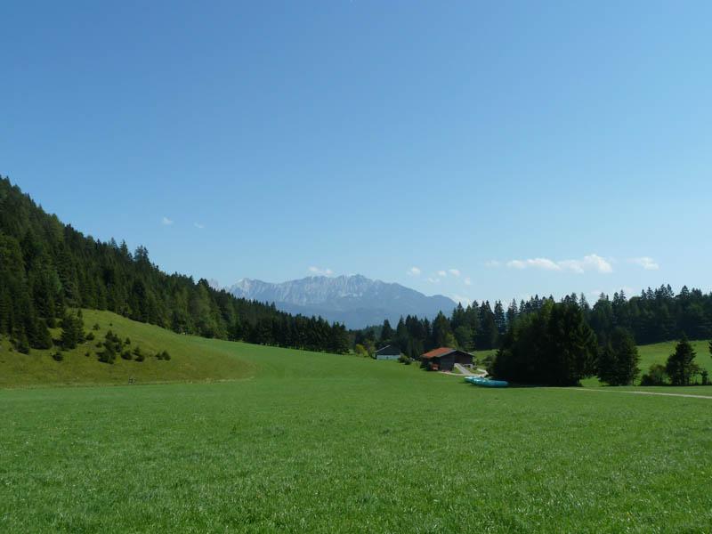 Rund um den Schwarzenberg - Blick ins Kaisergebirge