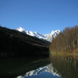 Rießersee mit Blick auf Alpspitze, Zugspitze und Waxensteine