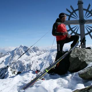 Die Östl. Knotenspitze - bestiegen wird der etwas niedrigere Südgipfel.