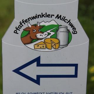 Beschilderung des Pfaffenwinkler Milchweges.