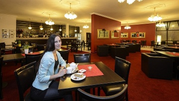 Caffe & Bar Hotel Slovan
