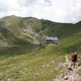 Abschied nehmen von der Radlseehütte mit Radlsee und Königsangerspitze.