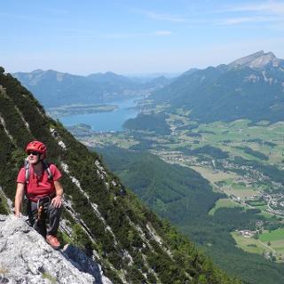 Tipp! Sich Zeit nehmen um die Aussicht - hier zum Wolfgangsee - zu genießen!