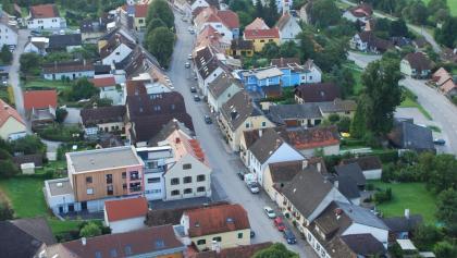 Die Übelbacher Marktzeile von Oben