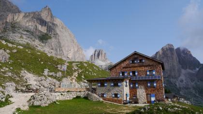 Die Rotwandhütte (2280 m)
