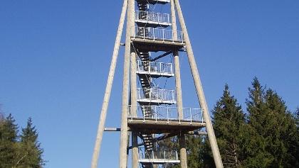 Der Aussichtsturm auf dem Hünersedel.