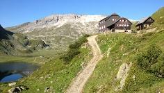 Ignaz-Mattis-Hütte mit Giglachseen und Lungauer Kalkspitze