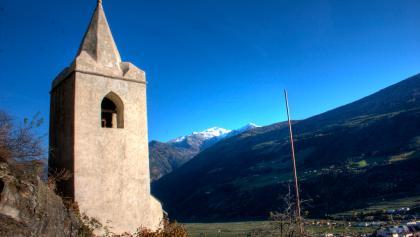 Die St. Ägidius Kirche oberhalb von Kortsch.