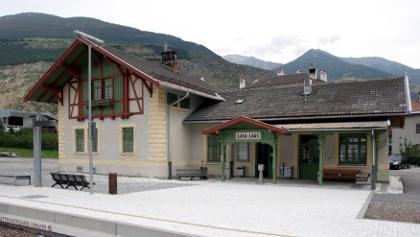 Der Bahnhof der Vinschgerbahn in Laas.