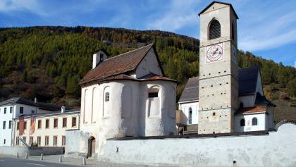 Die Klosteranlage des Benediktinnerinnenklosters St. Johann in Müstair.