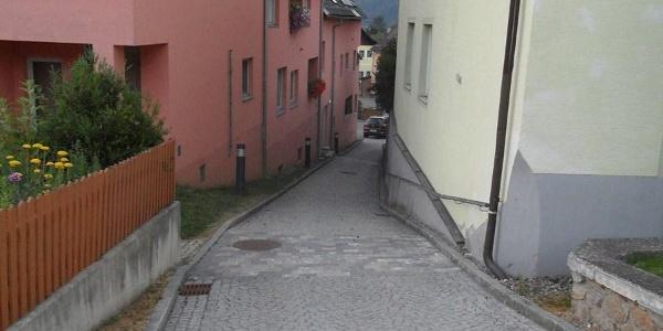 Weg zum Ortsplatz von St. Peter am Kammersberg
