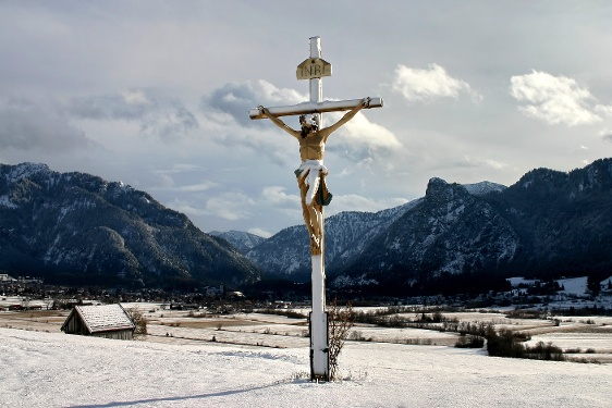Ammergau Alps Meditation Trail: 7th + 8th Stage – Kappel Church - Passion Play Theatre - winter version