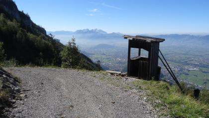 Jägerstand mit Panoramablick ins Rheintal