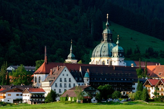Ammergau Alps Meditation Trail: 12th Stage –  Ettal Abbey - Ammer sources