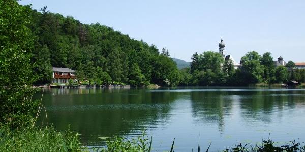 Der Höglwörther See.