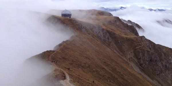 Blick vom Gipfel zur Reichensteinhütte