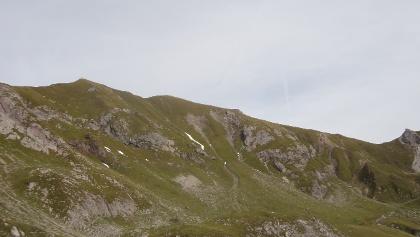 Hochberg links mit dem Joch über den aufgestiegen wird rechts