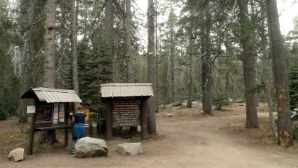 Check-in beim Eingang zum Bridalveil Creek Campground.