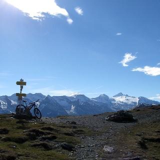Auf dem Geiseljoch mit Blick auf den Hintertuxer Gletscher