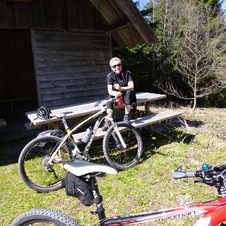 An der Überzwercher Berg Hütte