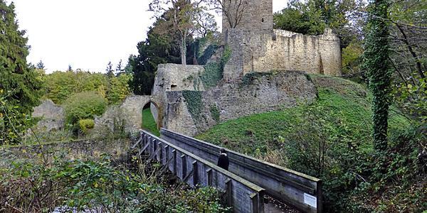 Zugang zur Ruine