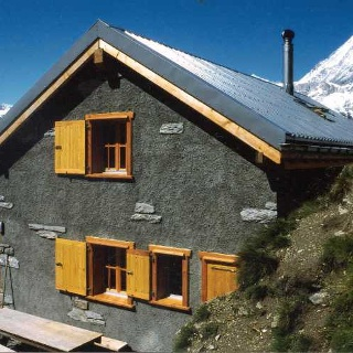 Kin hut (2,584 m)