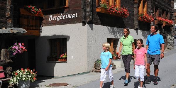 Walk through the village of Täsch