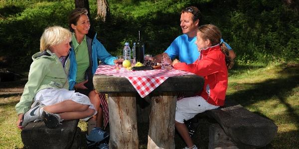 """""""Schweizer Familie"""" barbecue site by the Mettelbrücke bridge"""