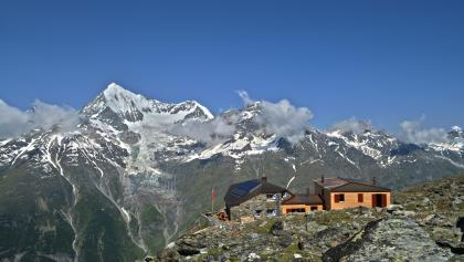 Dom hut (2,940 m), run by the Swiss Alpine Club (SAC)