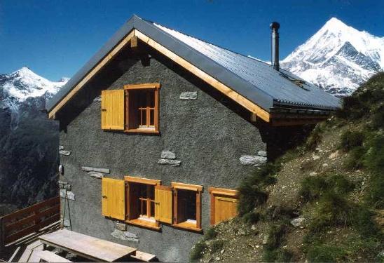 Kinhütte (2'584 m)