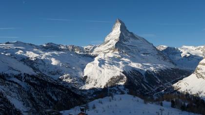 Von der Sunnegga Ausblick auf die umliegende Bergwelt und das Matterhorn (4'478 m)