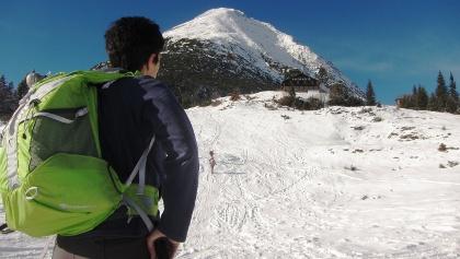 Die Rauthhütte am Fuß der Hohen Munde ist auch ein beliebtes Ziel für Rodler und Winterwanderer.