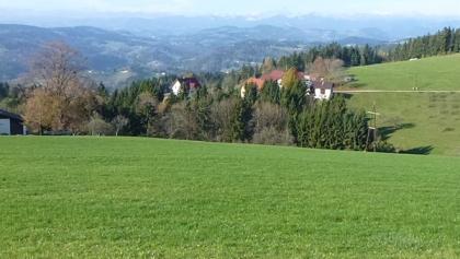 Blick von Lärchegg/Stiwoll entlang des Stallhofner Rundwanderweg