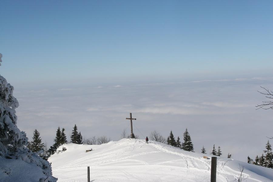 Andachtskreuz Winterwandern-©Autor: Judith Simon, Quelle: Kampenwandseilbahn GmbH