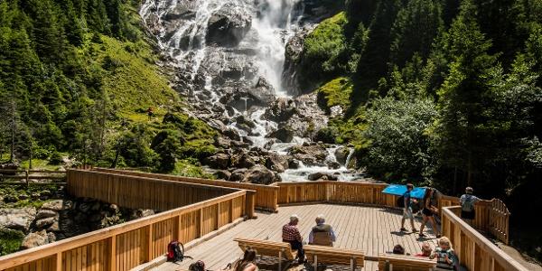 Grawa Wasserfall mit Plattform