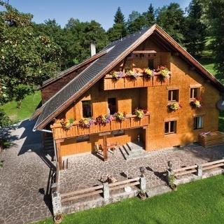Haus Alpila - Sommeransicht