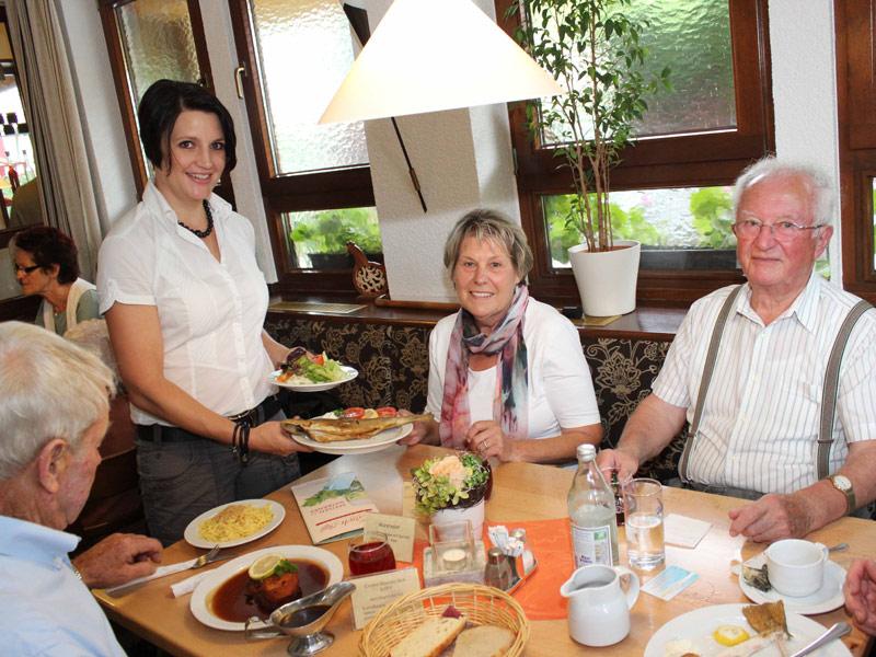 Ehrliche Hohenloher Küche zusammen mit Freunden genießen - was will man mehr  - @ Autor: Beate Philipp  - © Quelle: Hardy Mann