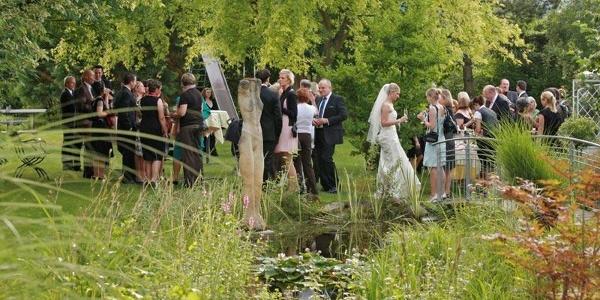 Idyllischer Garten im Rappenhof für den schönsten Tag im Leben