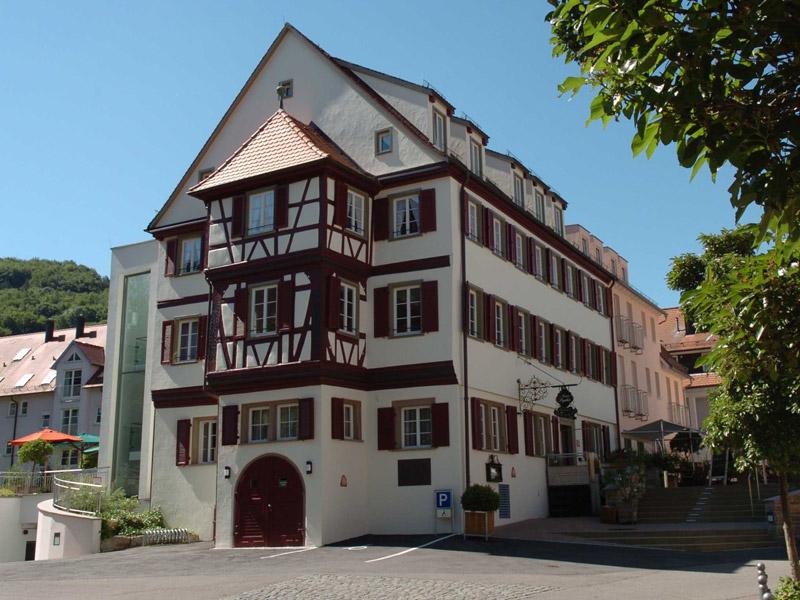 Zu Gast im historischen Gebäude  - @ Autor: Beate Philipp  - © Quelle: Hohenlohe + Schwäbisch Hall Tourismus e.V.