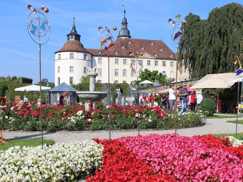 Die Hohenloher Gartentage sind alljährlich ein beliebtes Ziel für Gartenfreunde   - © Quelle: Schloss Langenburg