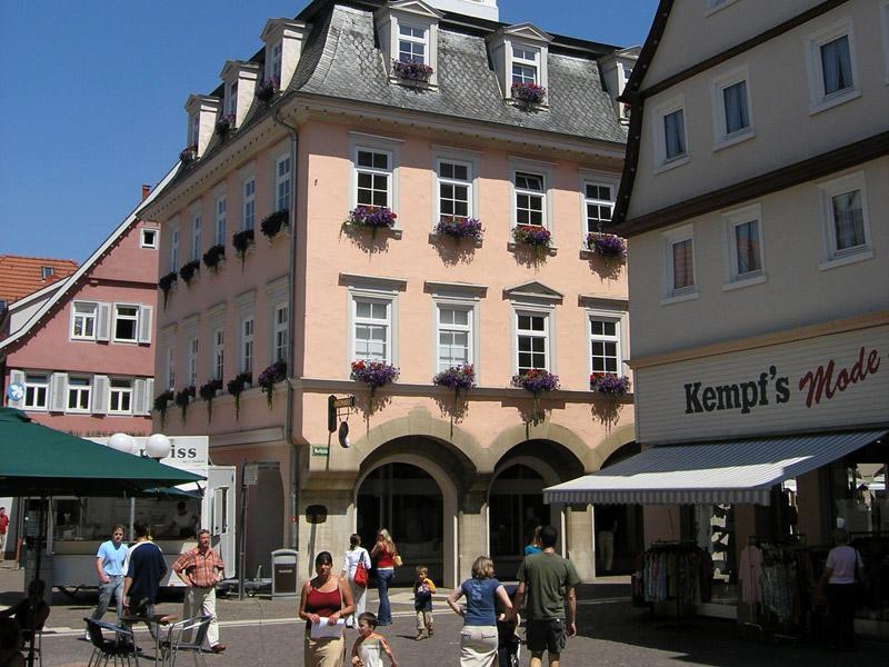 Das Urweltmuseum befindet sich im historischen Rathaus mit dem Spionenturm  - @ Autor: Beate Philipp  - © Quelle: Urweltmuseum