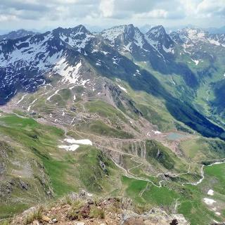 Blick von der Gürtelspitze nach SO auf den Schneeberg