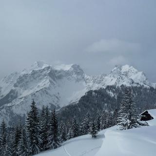 Ennstalerhütte mit Ausblick auf Kleinen und Großen Buchstein