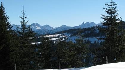 Freier Blick auf Trettach, Mädelegabel und Hochfrottspitze beim Aufstieg.