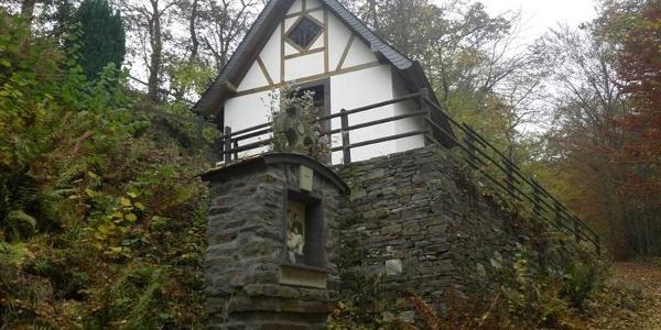 Chapelle de montagne près de Bremm, dans la montée vers la croix au sommet du Calmont
