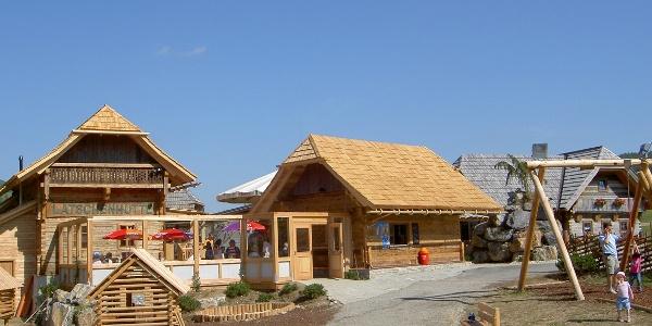 Latschenhütte mit Spielplatz
