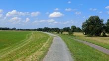 Auf dem Elberadweg zur Burg Lenzen/Prignitz (Biosphärenreservat Flusslandschaft Elbe)